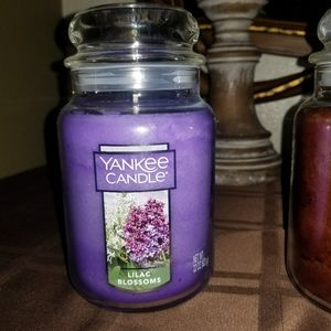 Yankee candle lilac blossoms 22 oz